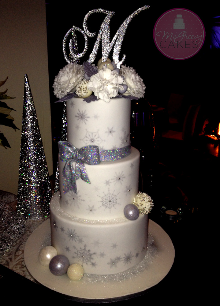 A little Bling Bling  Winter Wedding Cake    McGreevy Cakes The