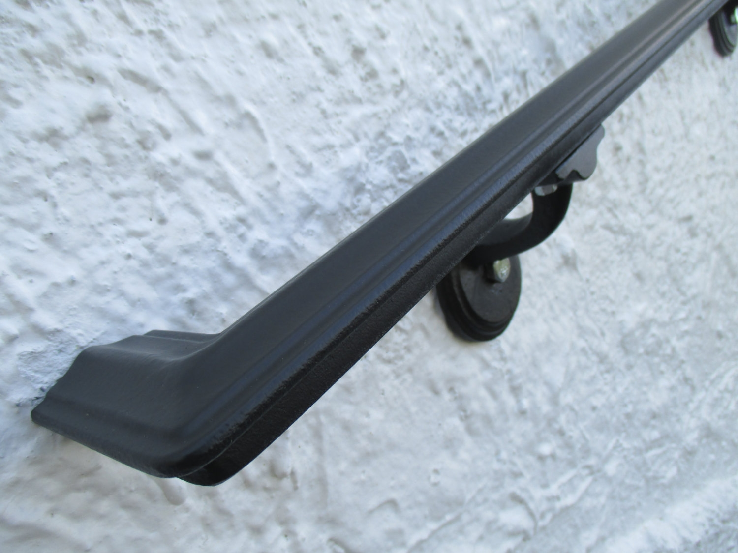 3 Ft Wrought Iron Ada Wall Mount Hand Rail Modern Design   Wrought Iron Hand Railing For Steps
