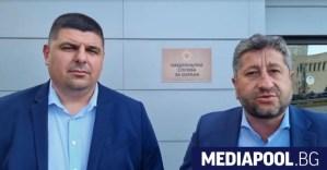 Пазачи на догани от плаж Росенец се върнаха от съда на НСО