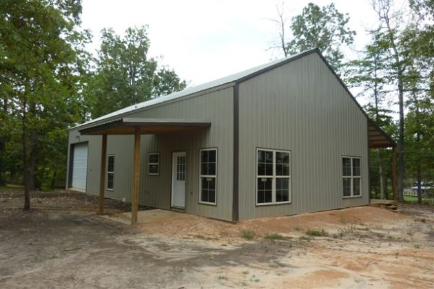 One Man    80 000   This Awesome 30 x 56 Metal Pole Barn Home   25     A simple exterior of the metal pole barn home