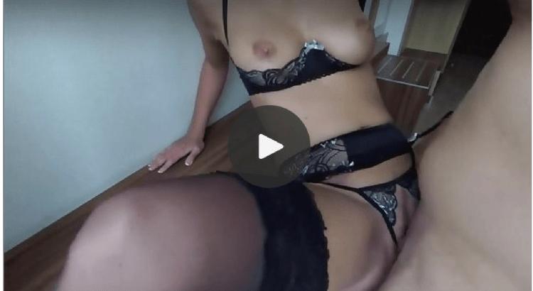 Orgia con moglie marito cuckold bisex milf e cazzo nero - 3 part 7