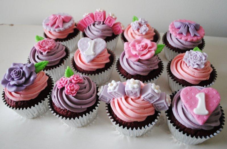 Cakes Say Happy Birthday