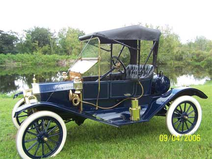 Ford Model T History   a brief look at Henry and the car that     1909 Tourabout