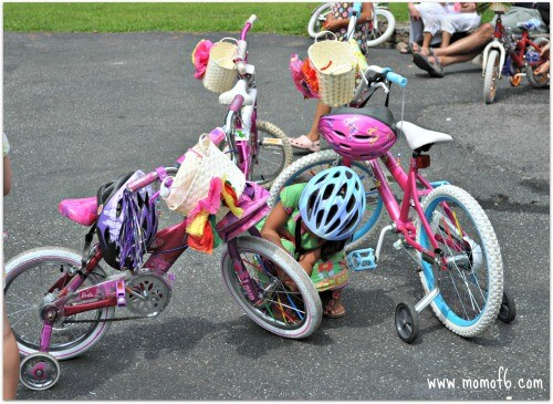 Great Idea for a 6 Year Old Birthday Party  A Bike Decorating Party     Prior