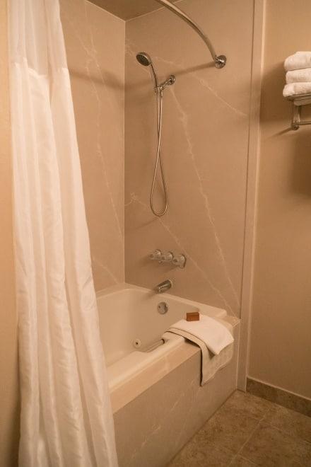 Oregon Hotels With Jacuzzi In Room Clackamas Oregon