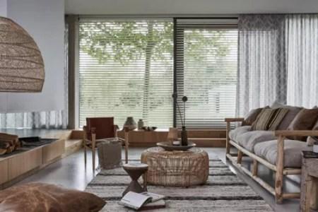 Huis inrichten 2019 » houten jaloezieen grote ramen | Huis inrichten