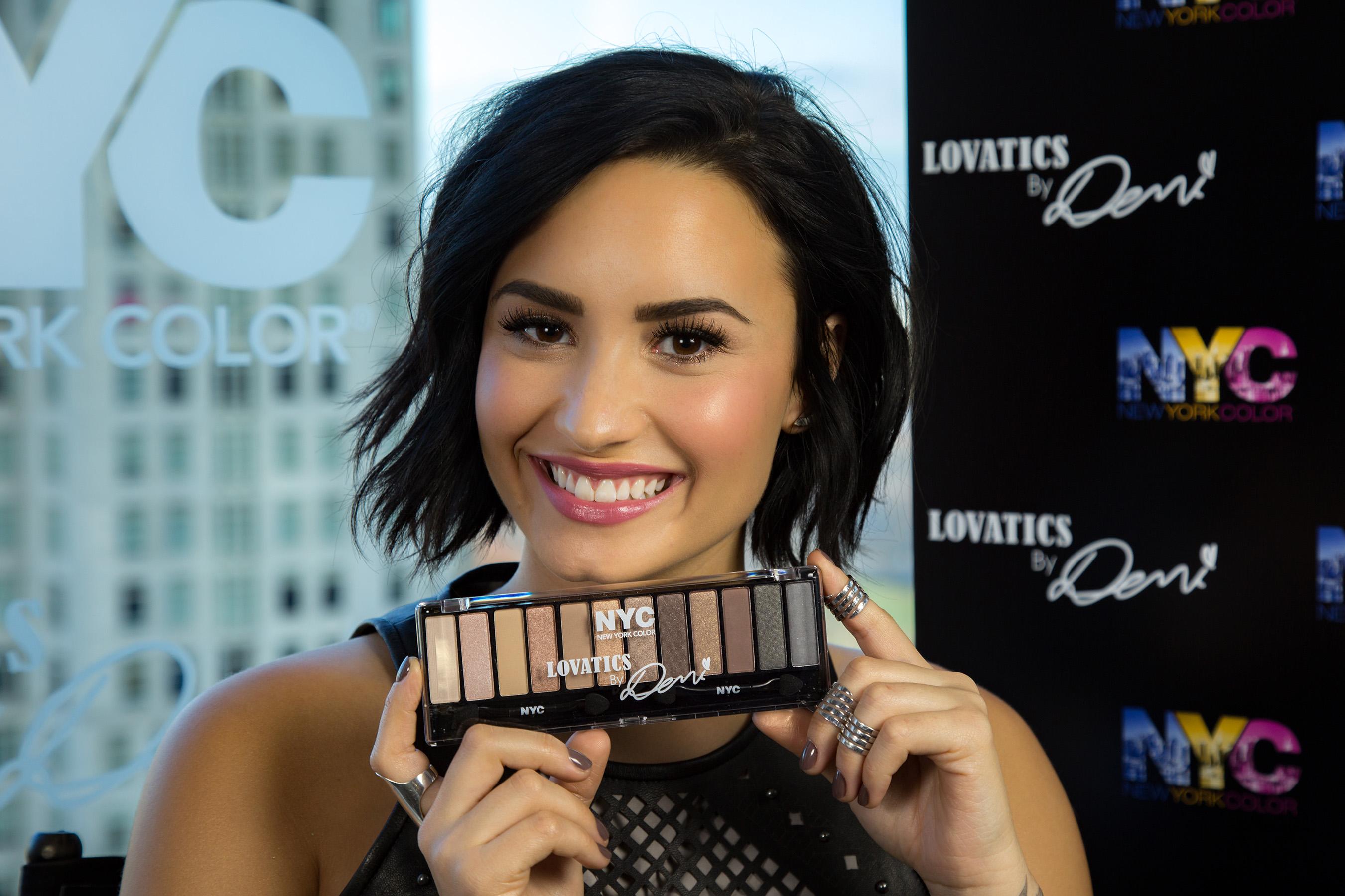Demi Lovato S New Hair Color