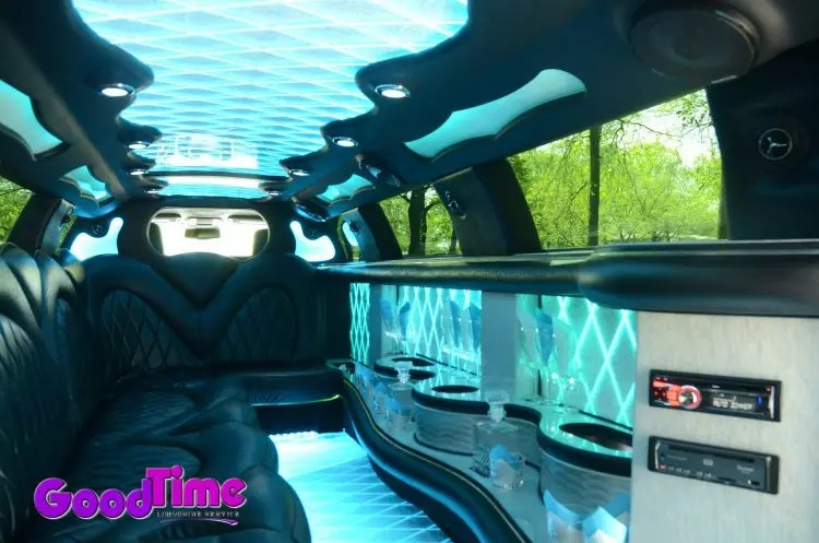 10 passenger chrylser 300 stretchlimo int 2 1 LIMO RENTAL FLEET