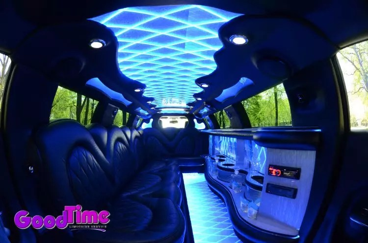 10 passenger chrylser 300 stretchlimo int 5 Copy LIMO RENTAL FLEET