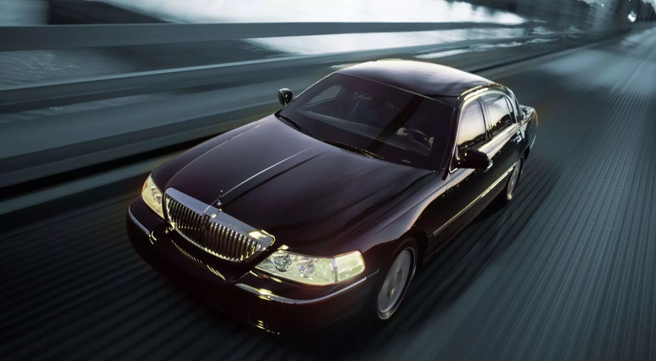 lincoln town car limo rental ext 2 LIMO RENTAL FLEET
