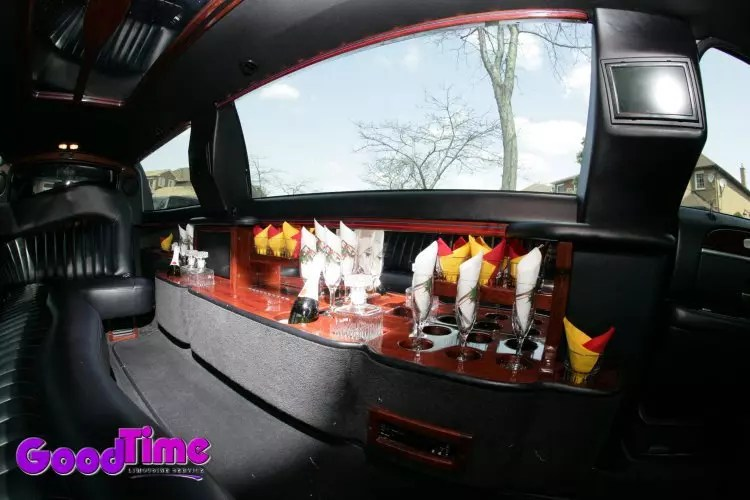 lincoln town car stretch limo int 3 1 LIMO RENTAL FLEET