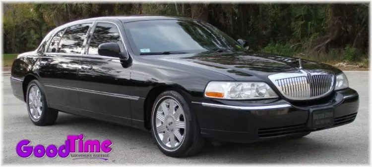 town car sedan 1 ext 1 LIMO RENTAL FLEET