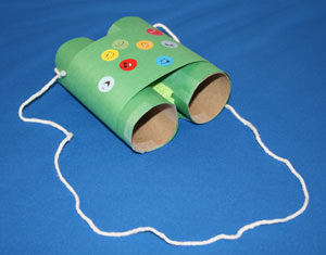 recycled art project of toilet paper roll binoculars