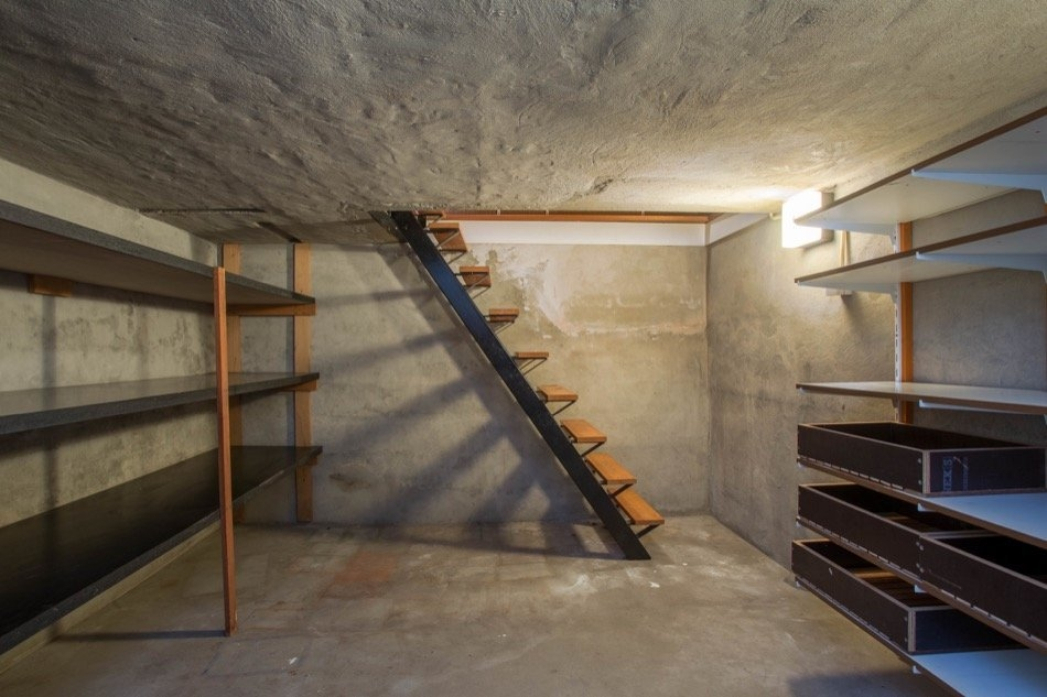 Common Basement Types Found In Homes Across The Us | Cost To Build Stairs To Basement | Spiral Staircase | Deck | Risers | Doors | Stair Treads