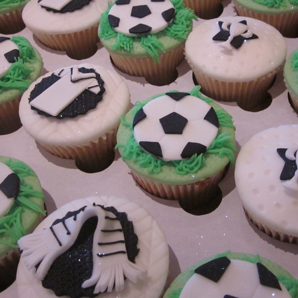 Football Pitch Themed Cupcakes Neo Cakes