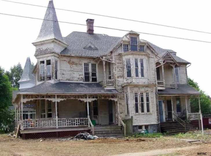 1887 Queen Anne Style House Is Restored To Its Once Beautiful Condition restored queen anne house 1