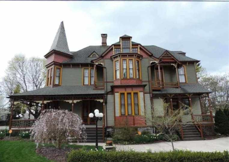1887 Queen Anne Style House Is Restored To Its Once Beautiful Condition restored queen anne house 2
