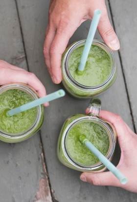 Introduce your kids to a healthier snack or juice with green juice recipes for kids that will give them real vitamins and minerals. Easy Homemade Juice Recipes | Kid Friendly Juicing Recipes | Simple Juice Recipes | Juicing Recipes for Picky Adults | Carrot Juice for Toddlers | Kid Drinks Recipe | Is Juicing Safe for Toddlers