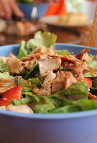 You can use healthy salad recipes with chicken as weight loss recipes, healthy recipes to-go, or as easy meal modifications when everyone else is eating something higher in calories. Green Salad Recipes with Chicken   Summer Grilled Chicken Salad Recipes   Hearty Salads with Chicken   Salad with Chicken Breast   Salad with Chicken and Avocado