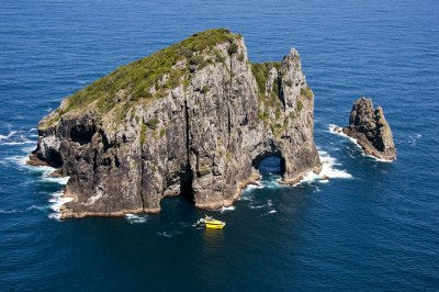 Explore NZ | Hole in the Rock Cruises Bay of Islands