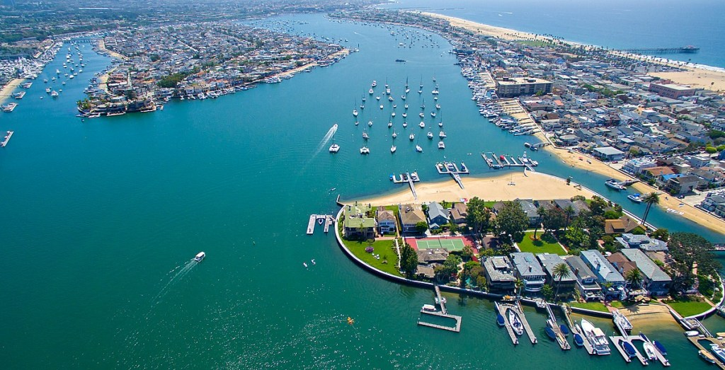 Home tour: Life at the tip of Newport Beach's Bay Island ...