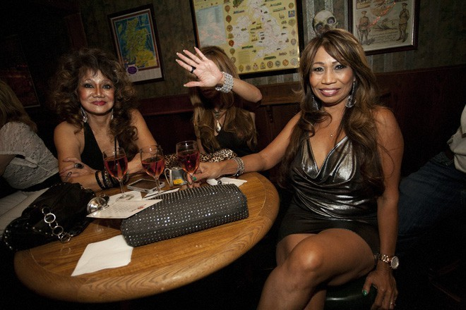 10 Great Cougar/MILF Dens in OC to Visit Now That Foxfire ...