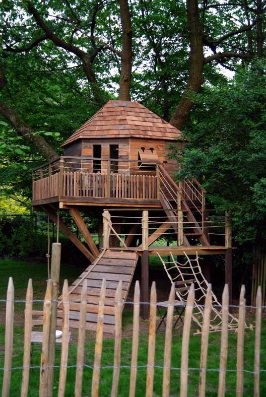 Building A Tree House For Children In Garden Useful Tips