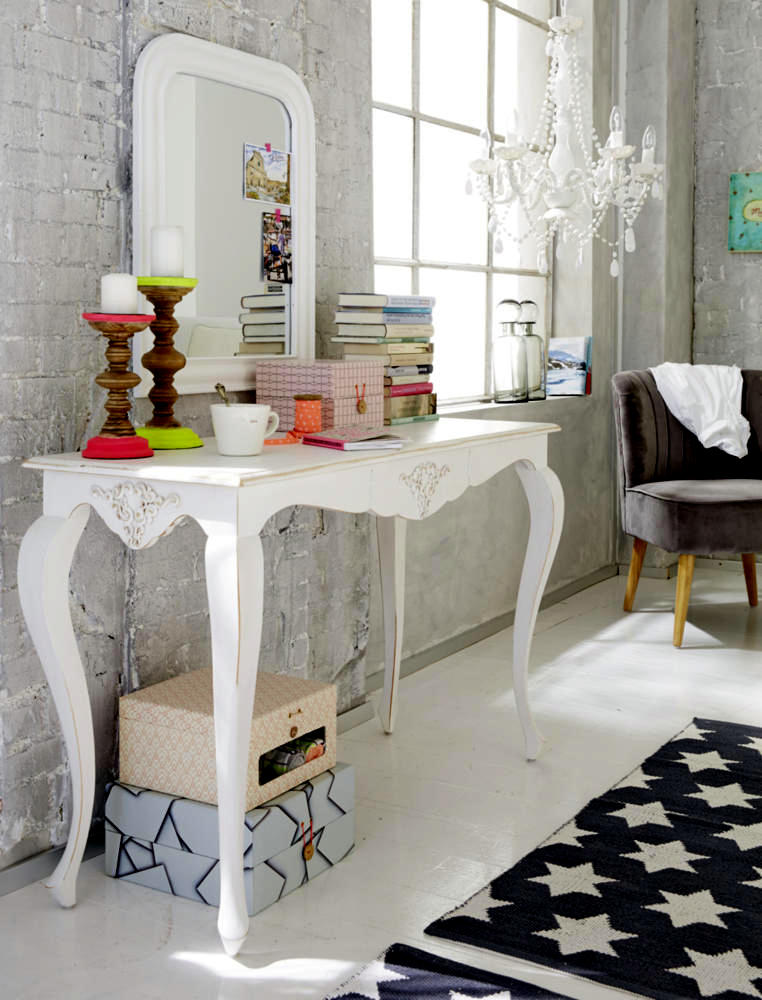 Console Antique Look Interior Design Ideas Ofdesign
