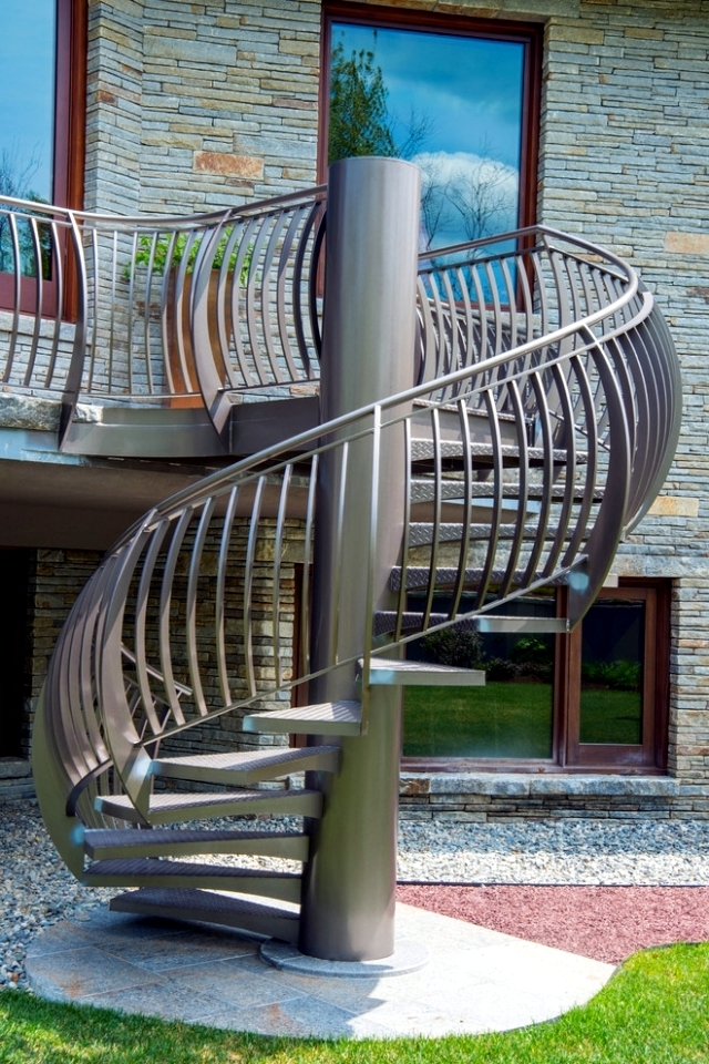 The Modern Steel Staircase Inside And Outside For Amazing Design | Modern Staircase Design Outside Home | Iron Railings | Concrete | Design Ideas | Msmedia | Steel Staircase
