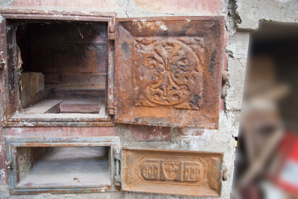 The Best Way To Restore An Old Rusted Wood Burning Stove