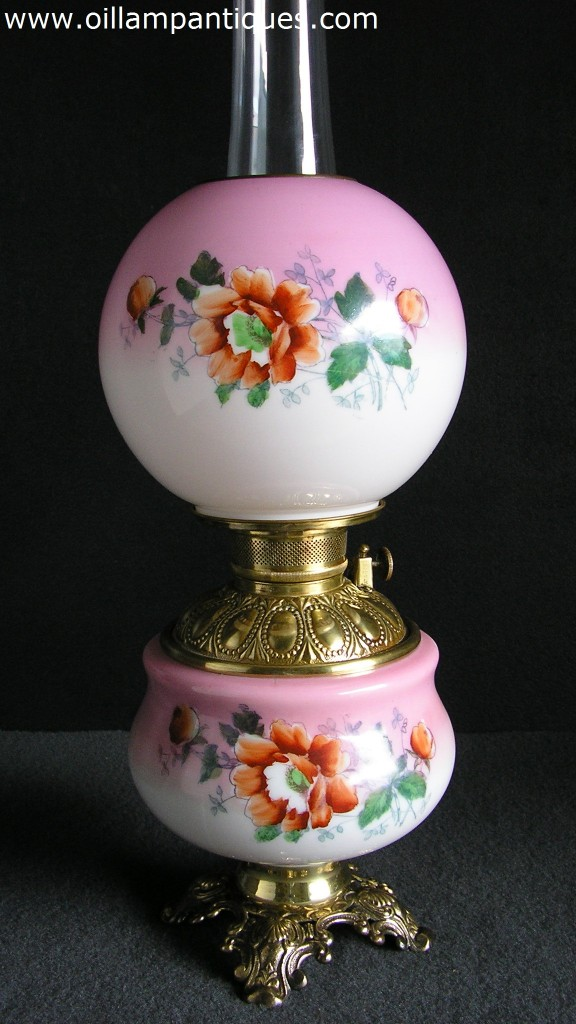 Smaller Hand Painted Parlour Lamp Oil Lamp Antiques