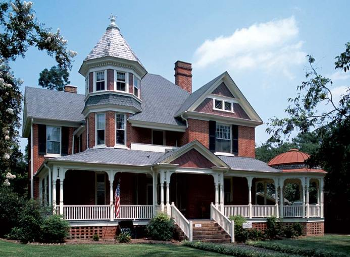 The Charm of Queen Anne Houses   Restoration   Design for the     This substantial brick house in Edenton  North Carolina  has an unusually  fine veranda with