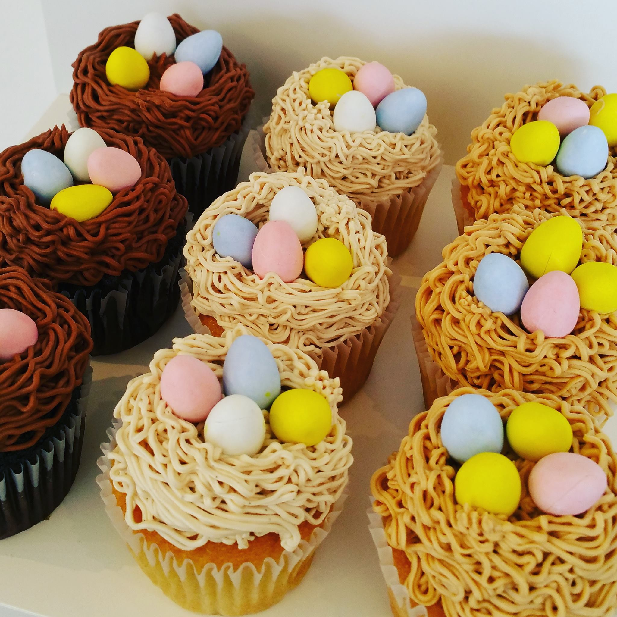 Easter Cakes And Cupcakes