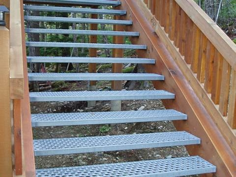 Anti Skid Stair Steps Are Anti Slip For Walkway Workshop   Outdoor Stair Treads For Ice And Snow   Heated   Mat   Cool Inventions   Non Slip Mats   Heattrak