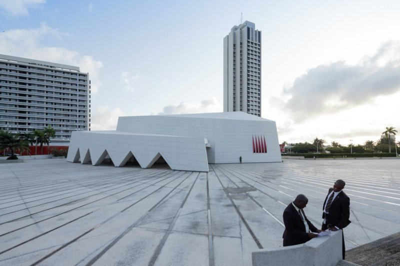 Hotel Ivoire, Abidjan (Côte d'Ivoire), by Heinz Fenchel and Thomas Leiterdorf, 1962-1970. Image © Iwan Baan