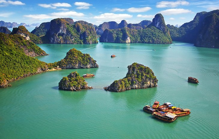 12 Best Places to Visit in Vietnam   PlanetWare Halong Bay