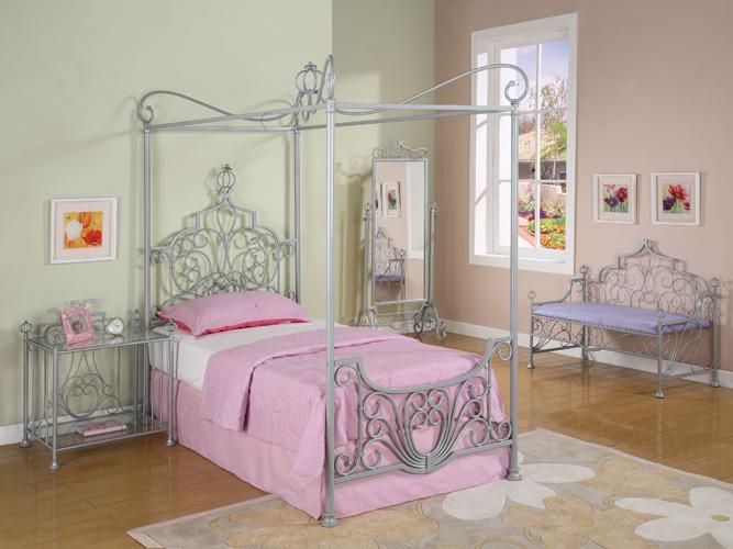 Princess Beatrix Platform Bed