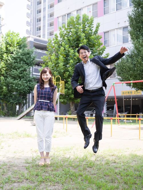 Japanese Dads Jumping Next to Their Daughters (11 Pics ...