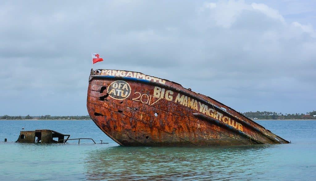 pixabay shipwreck, Tonga Tourism, Tongan Food, Nuku'alofa, things to do in Tonga, Tonga Food, Things to do Tonga, What to do in Tonga