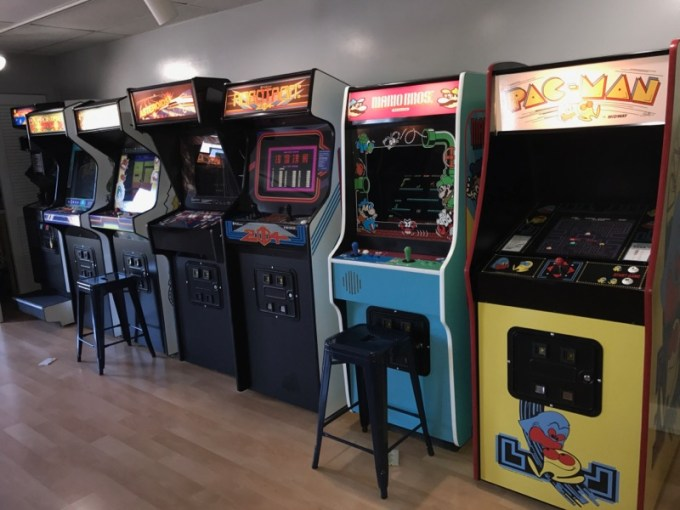 Arcade Parties   Premonitions Pizza   Arcade Classic games