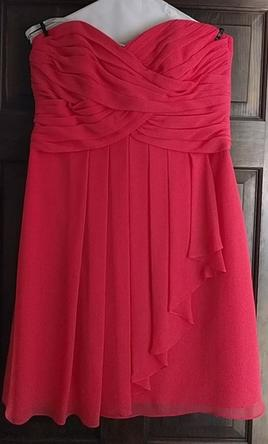 David s Bridal Short Crinkle Chiffon Dress w Front Cascade  Size  12     Pin it      David s Bridal Short Crinkle Chiffon Dress w Front Cascade 12