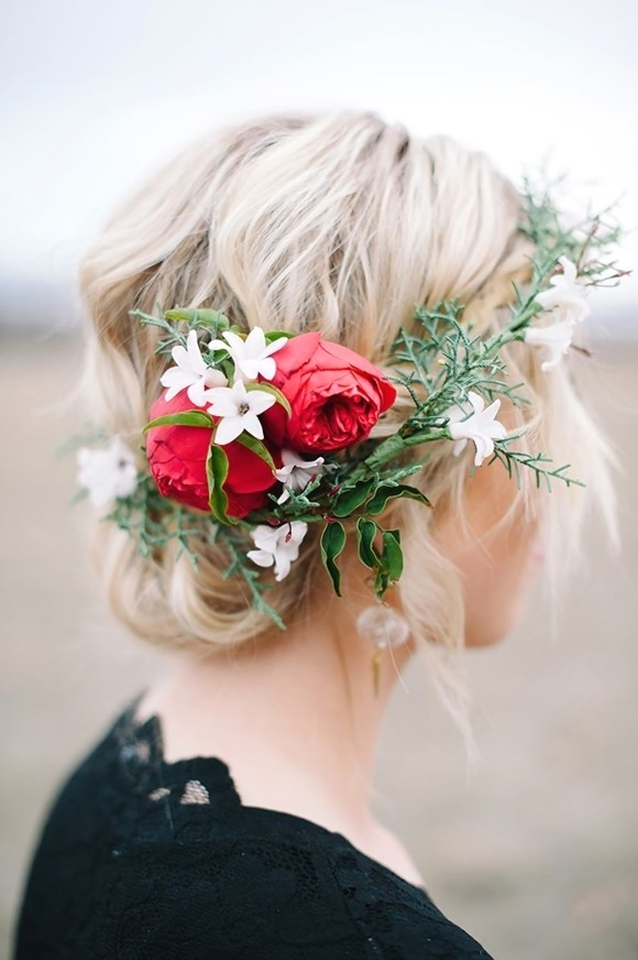 15 Best Hairstyles with Flower Wreaths for Fall - Pretty ...