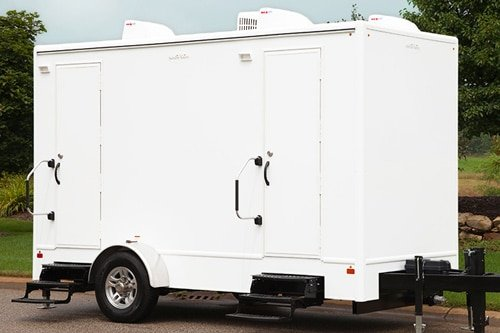 Luxury restroom trailers