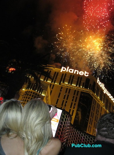New Year s Eve Las Vegas Strip 2018 Ultimate Party Review Guide   Tips New Year s Eve Las Vegas Strip fireworks