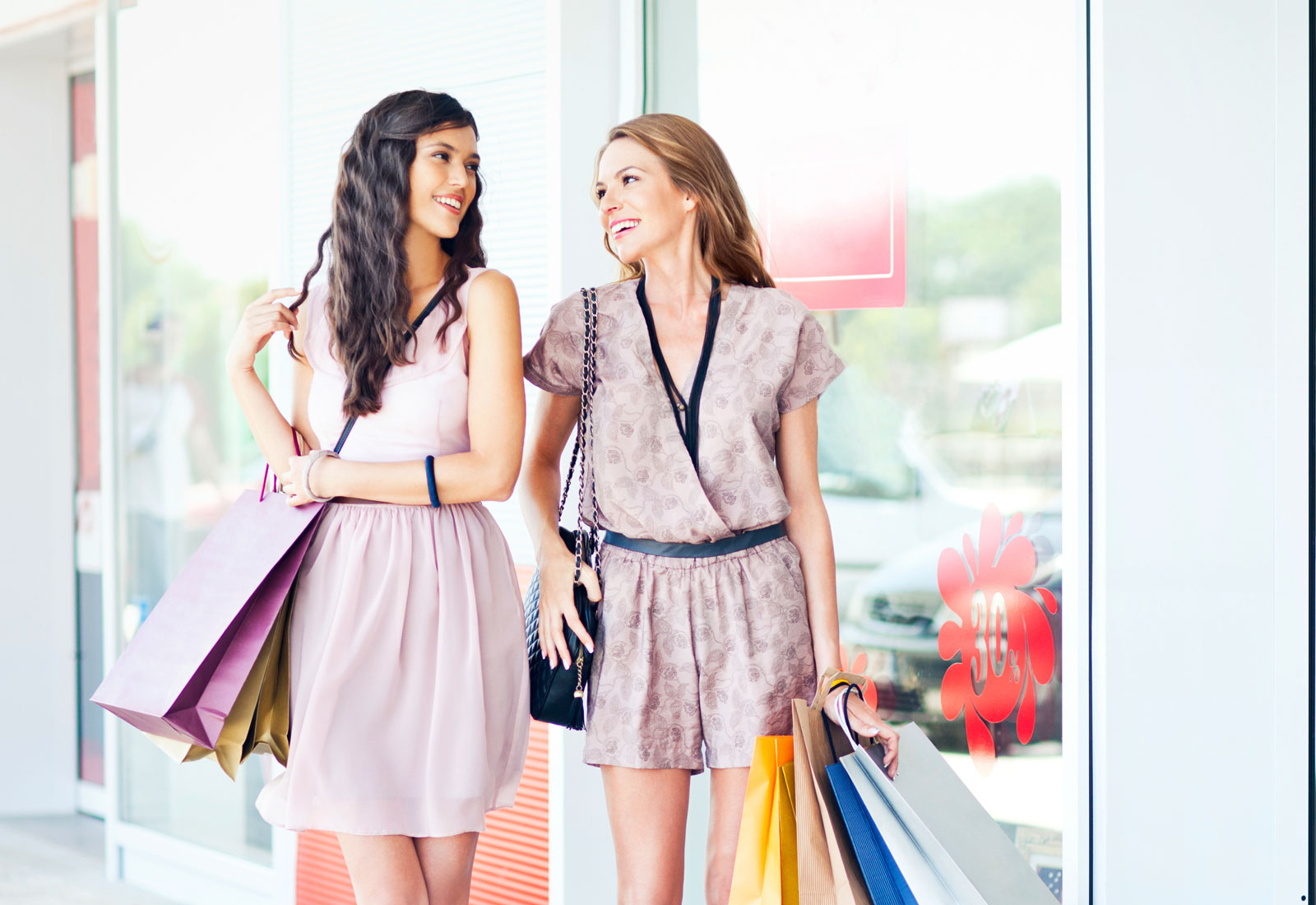ladies shopping and dining - 1600×750