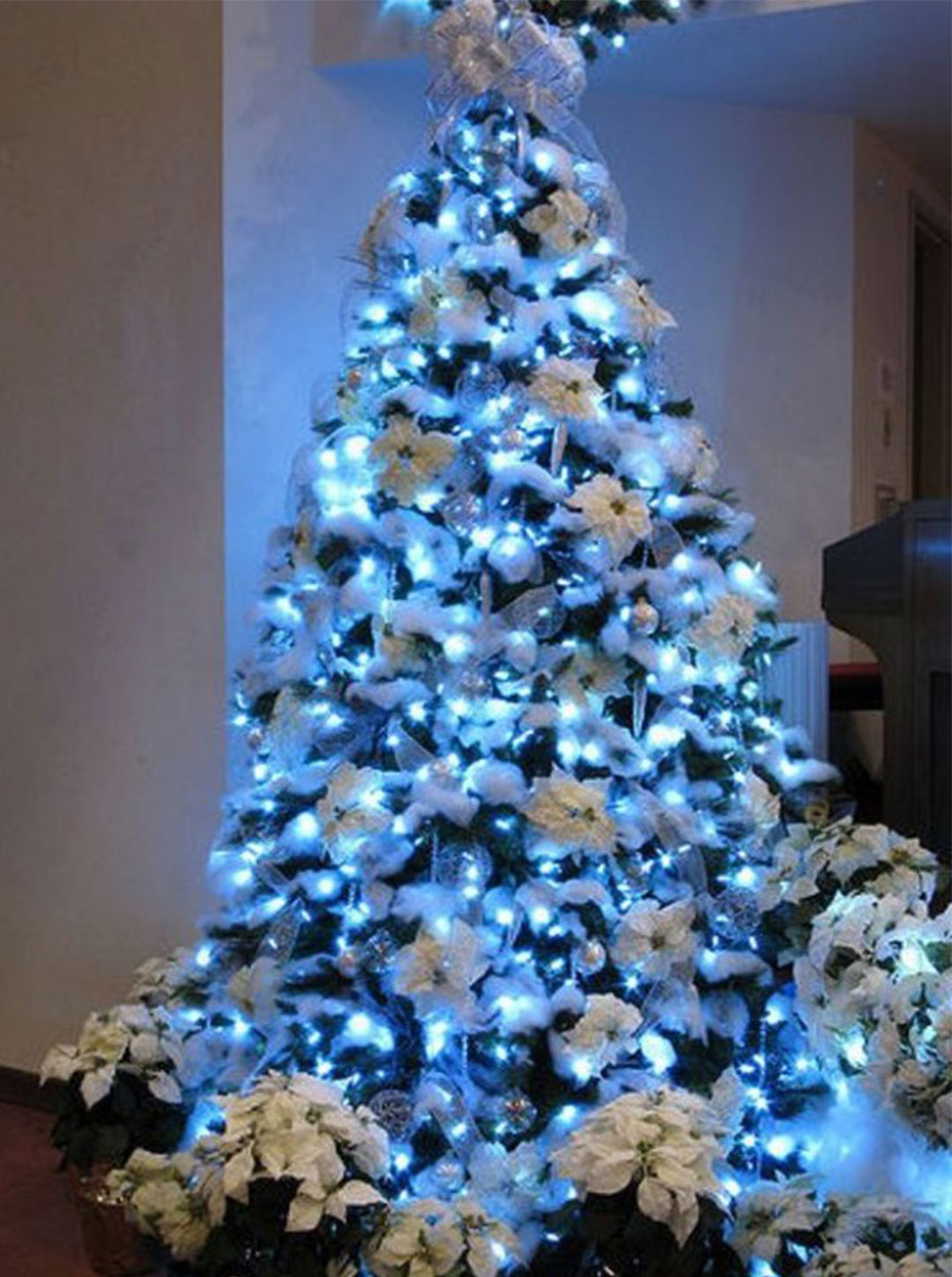 29 Inspirational Christmas Tree Decorating Ideas 2018     2019 with     christmas tree decorating ideas 2017