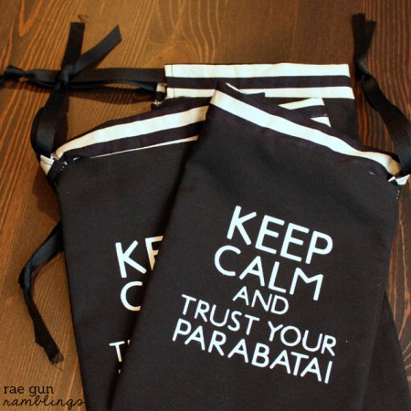 Keep Calm and TruSt Your Parabati pouches perfect for celebrating the #cityofbones movie #themortalinstruments #yalit #tutorial - Rae Gun Ramblings