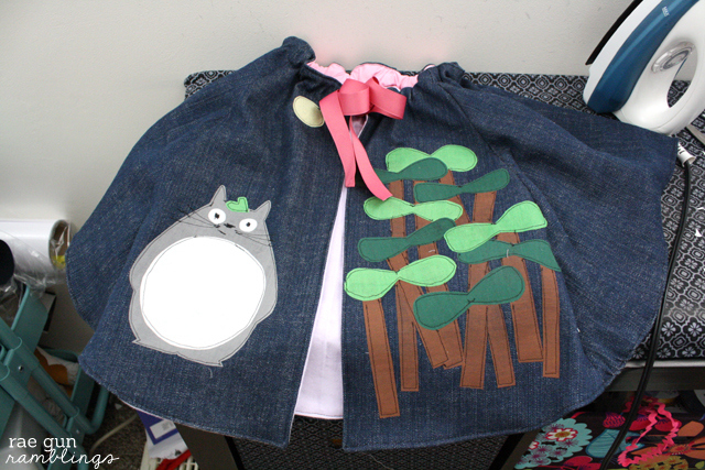 Step by step instructions on how to make Totoro appliques for a cape or other creative project - Rae Gun Ramblings