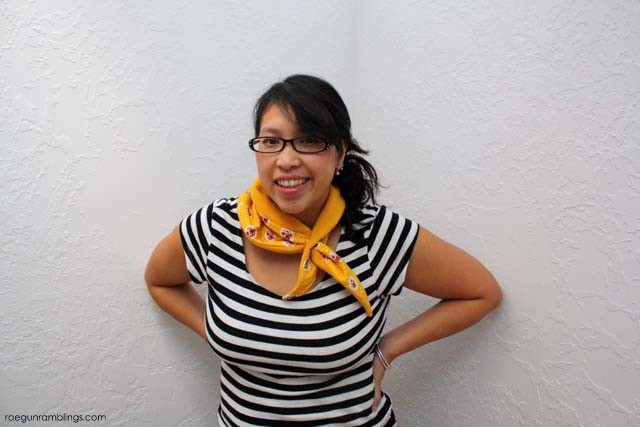 Super cute collar cozy. QUick and easy alternative to the scarf makes a great DIY gift idea - Rae Gun Ramblings