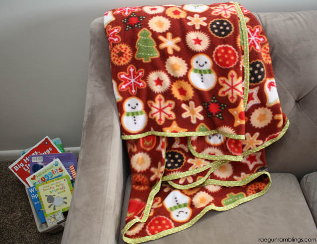 Make a cozy Christmas corner with a 30 minute family sized blanket some books or movies. Love this idea - Rae Gun Ramblings